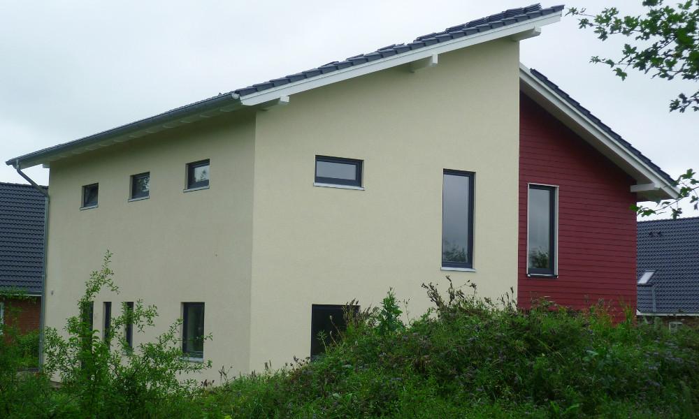 gelb-rotes Haus