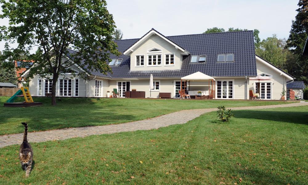 weißes Schwedenhaus