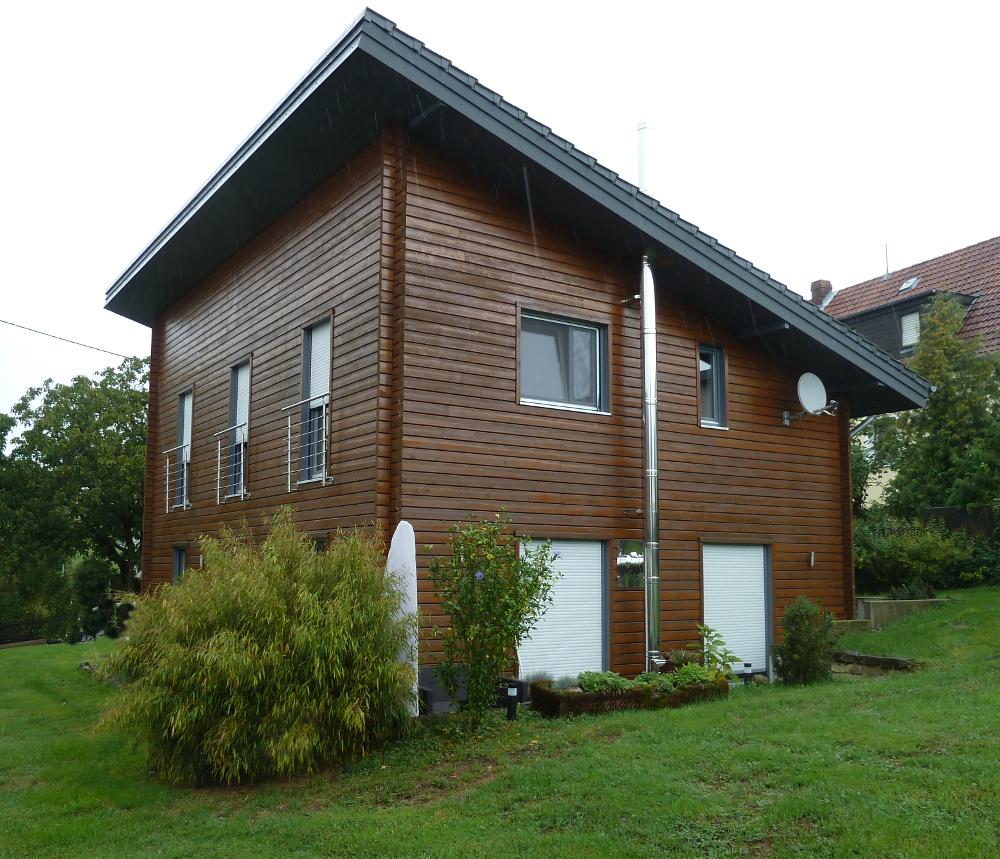braunes Holzhaus