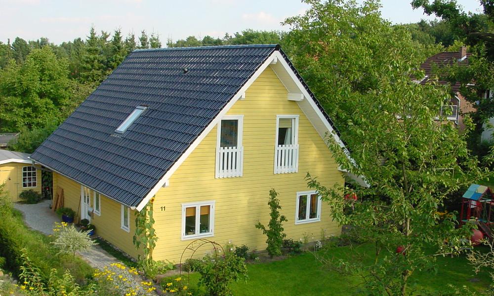 gelbes Holzhaus